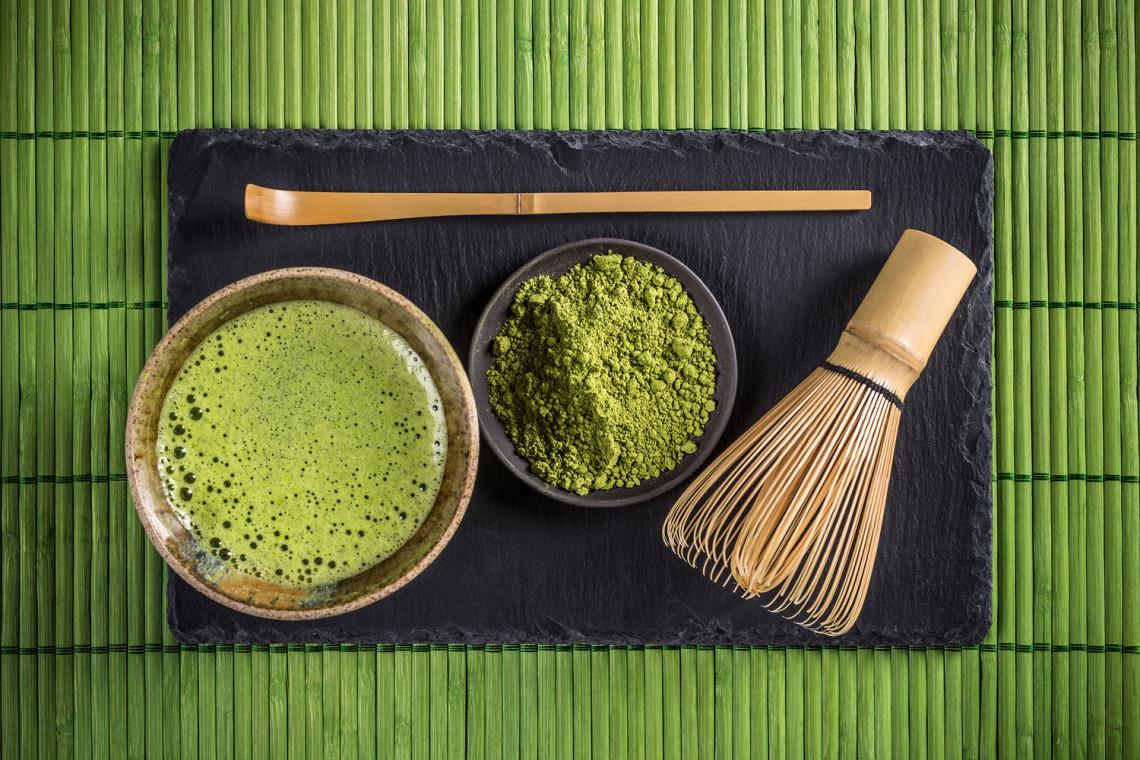 Oggetti tradizionali usati nella cerimonia del tè giapponese, (chanoyu)
